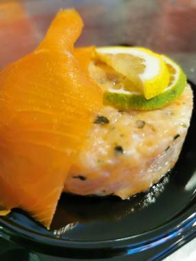 Tartare de saumon et son saumon fumé